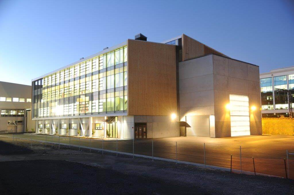 UoA Engineering Building - night
